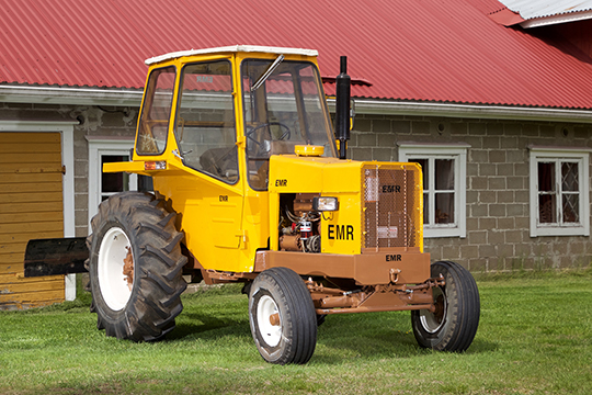 Puimureista tehty – EMR-traktori